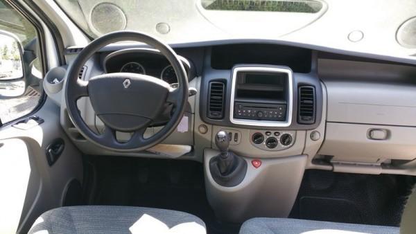 Renault-Trafic-2013-20170408143810